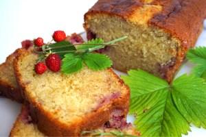 Magisk Buttermilk kaka med jordgubbar