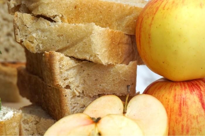 Nattjäst grötbröd med äpple