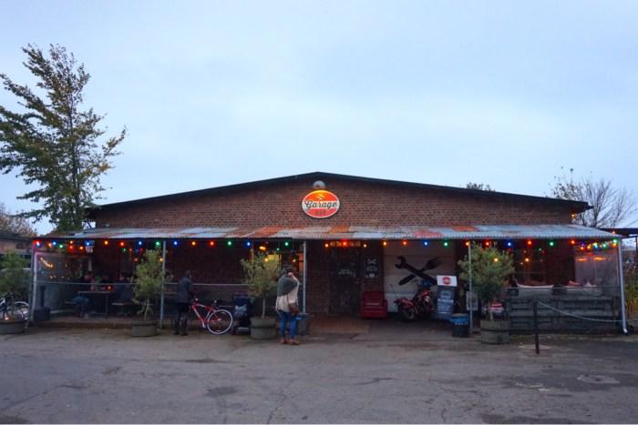 Pålsjöpaviljongen och Garage Bar
