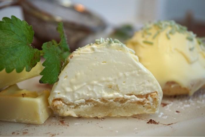 Limebiskvier med vit choklad