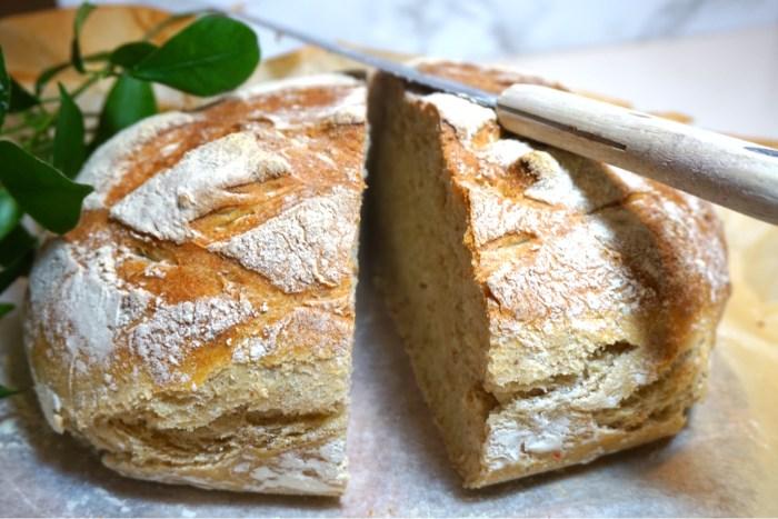 Nattjäst bröd med rågflingor