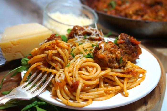 Italienska köttbullar i tomatsås