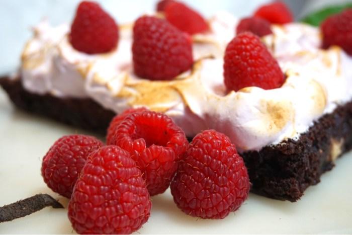 Brownie med hallonmaräng