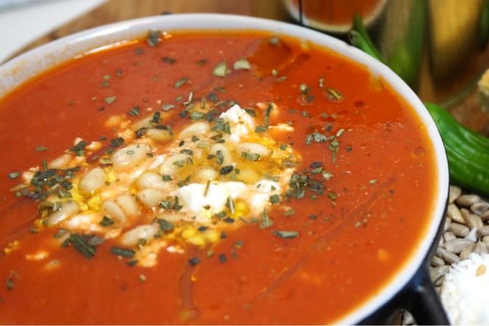 Mustig tomat och paprikasoppa