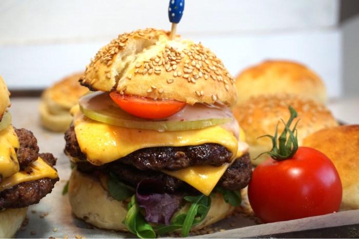 Nattjästa hamburgerbröd
