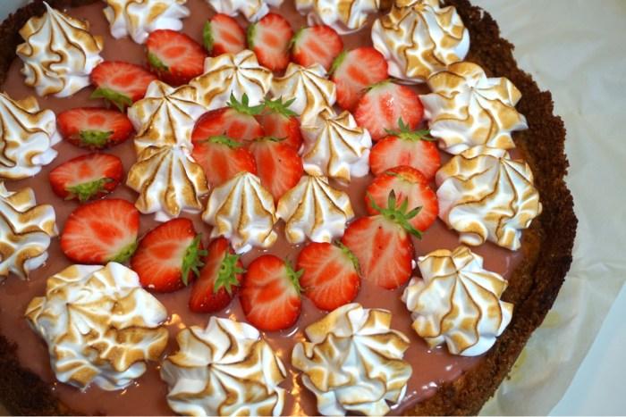 Jordgubbs cheesecake med italiensk maräng