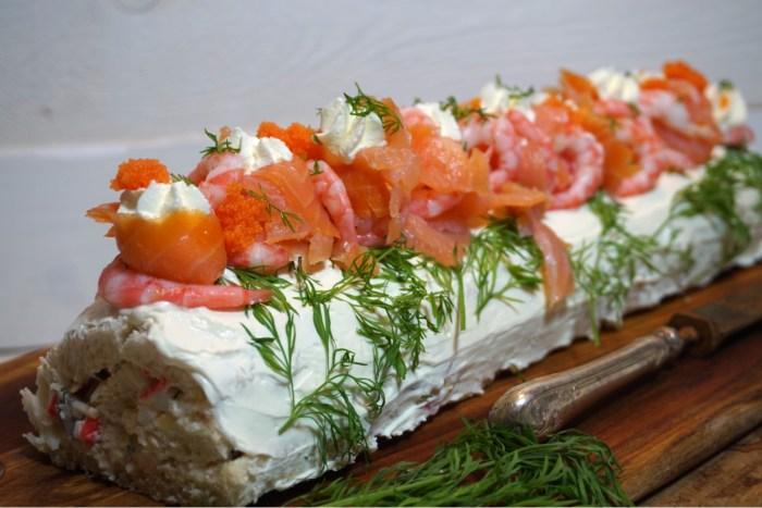 Smörgåstårts rulltårta med räkor och lax