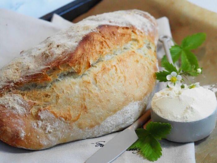 Ciabatta limpa -enkelt hälla-ut bröd