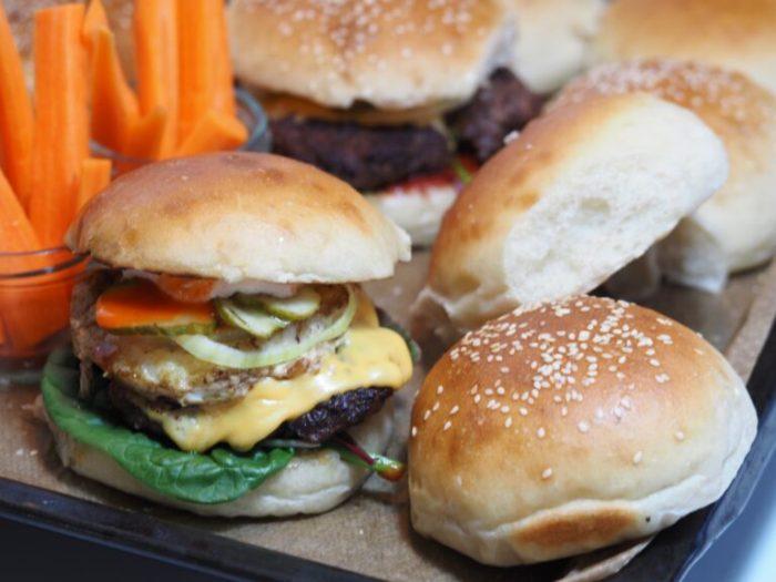 Fluffiga hamburgerbröd