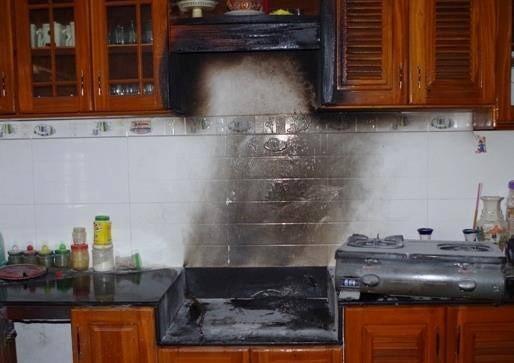 Đừng bao giờ làm điều này trong bếp nếu không muốn mất mạng - ảnh 4