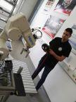 Aleksandar Marković programira robota