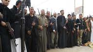 ينتشر السلاح بصورة كبيرة لدى المدنيين العراقيين.. صورة تعبيرية