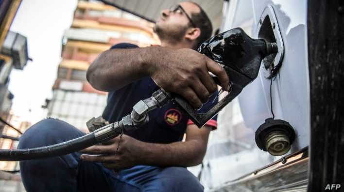 مغردون مصريون أعربوا عن قلقهم من أن يؤدي رفع أسعار المحروقات إلى زيادة في أسعار السلع الأخرى