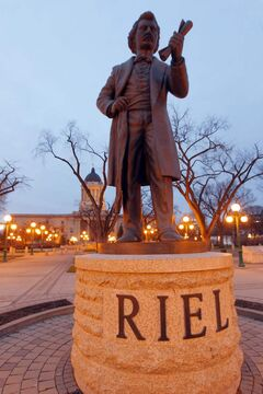 Louis Riel statue behind the Legislative Building.