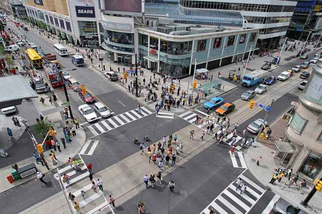 PATRICK DELL / THE CANADIAN PRESS FILES</p><p>Traffic scrambles, used in cities with heavy foot traffic including Banff, Alta., and Toronto, is one of several measures undertaken by the City of Winnipeg as part of its road safety strategy.</p>