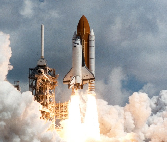 Nasas Space Shuttle Rises From The Dead To Power New Vehicles Wired
