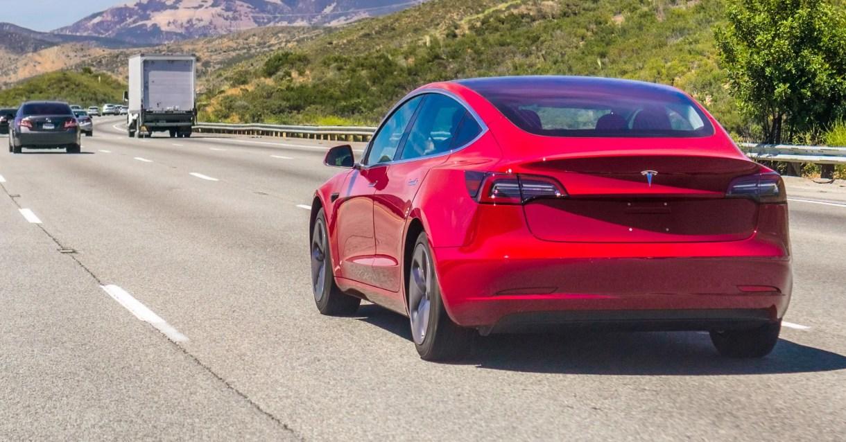 A Fatal Tesla Autopilot Crash, Rising Methane Levels, and More News 2