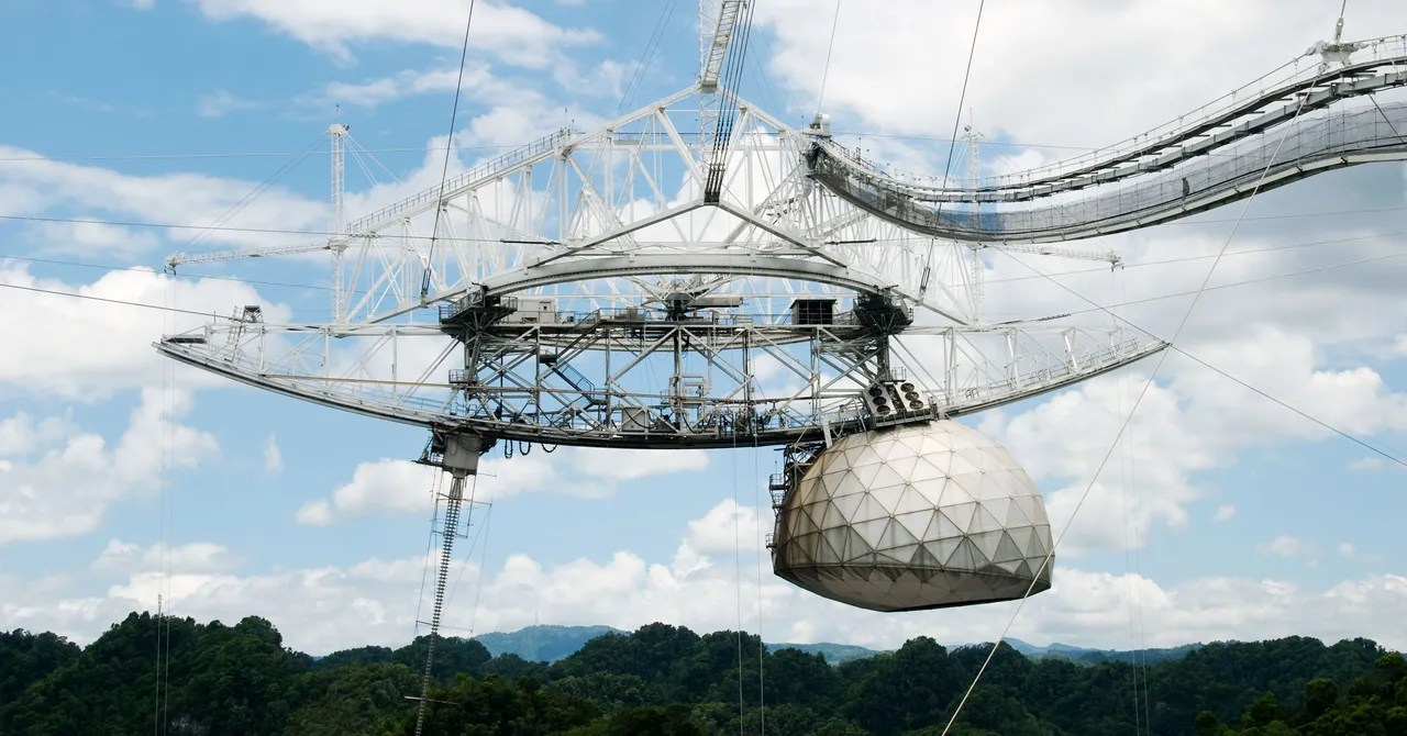 The Iconic Arecibo Telescope Goes Quiet After Major Damage