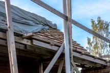 Täckt tak i väntan på nästa skift.