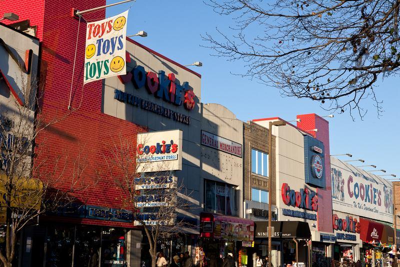 A Walking Tour Shopping Jamaica Avenue In Queens Wnyc News Wnyc