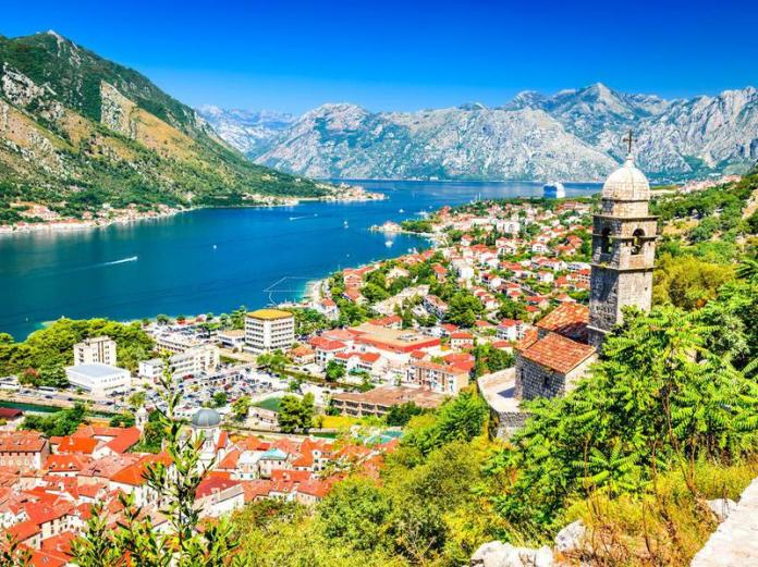 Montenegro rental property will run you up to $525 per month in a city and up to $375 outside of a city.