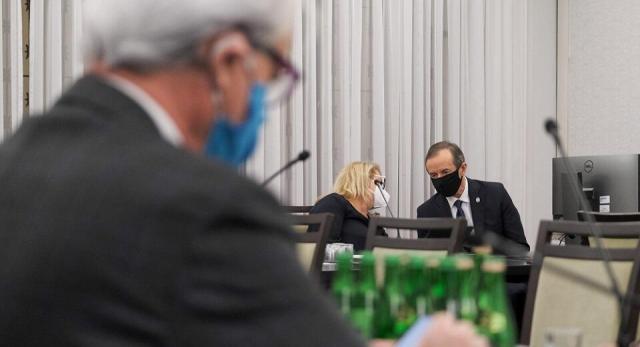 Posiedzenie senackiej komisji zdrowia / autor: PAP/Mateusz Marek