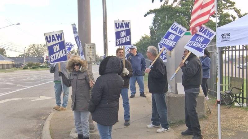 Tentative deal reached to end 5-week UAW strike