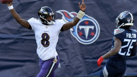 Lamar Jackson Outruns Derrick Henry, Leads Baltimore Ravens to 20-13 Win Against Tennessee Titans