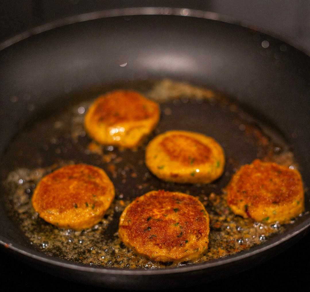 kikärtsbiffar falafel vegetariska biffar med kikärtor