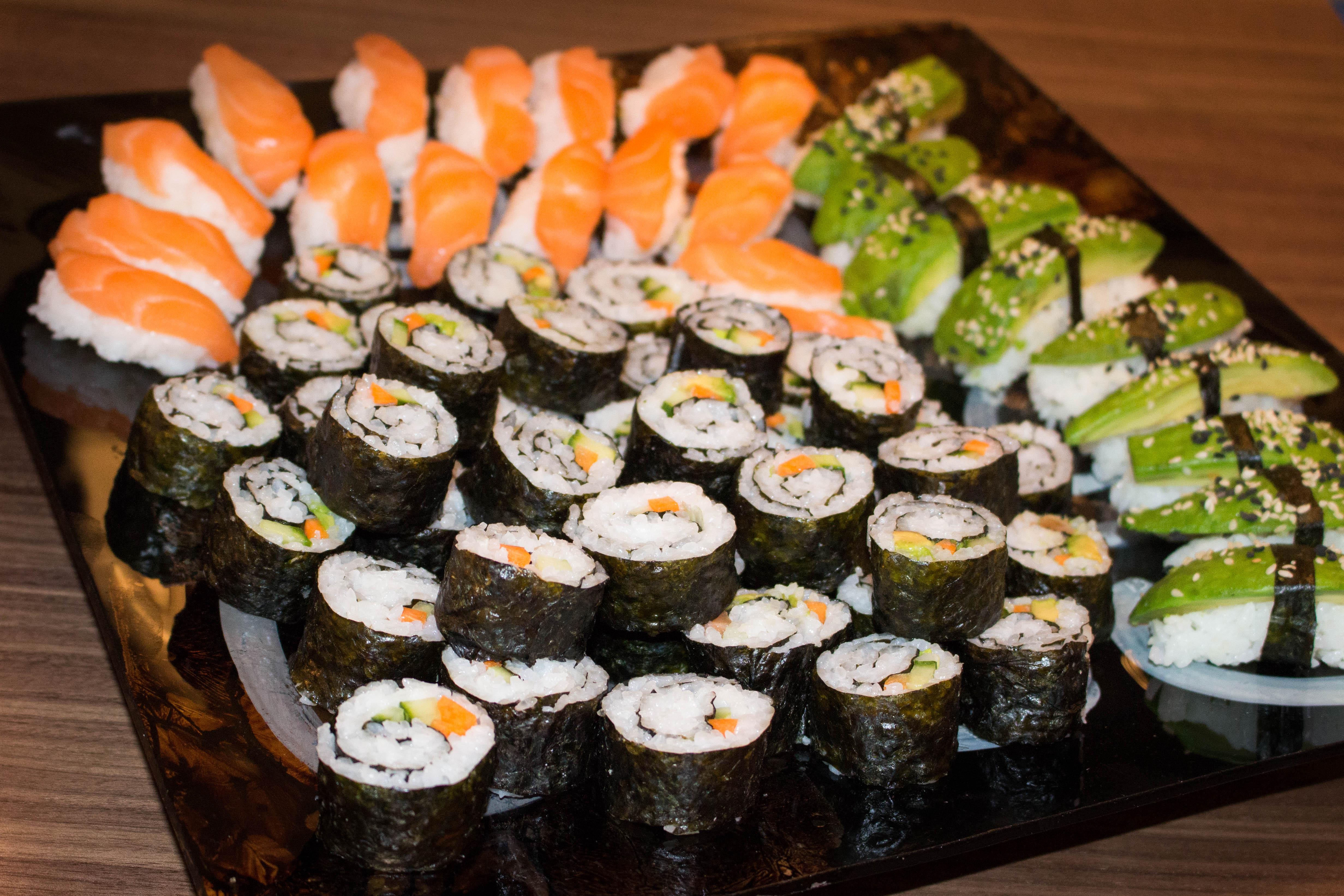 hur gör man sushi