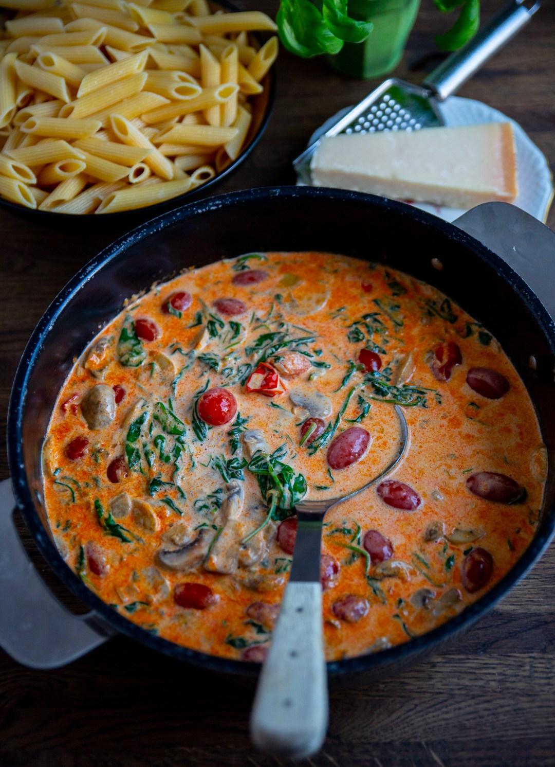 vegetarisk sås till spagetti