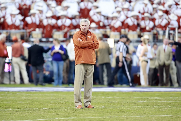 Mack Brown (USA Today Sports)
