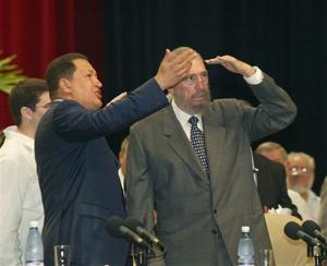 Hugo Chávez y Fidel Castro, íconos de la pelea contra el ALCA, en 2005 (AP)