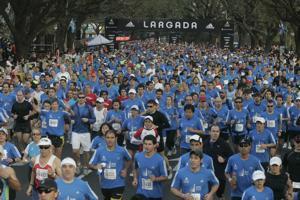 Más de 10 mil atletas, en la 21K de Bs. As. (DyN)