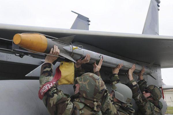 軍武》臺灣採購最新式AIM-9X飛彈 可全方位射擊 - Yahoo奇摩新聞