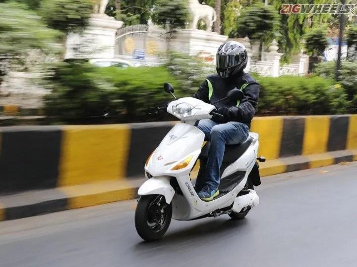 Hero Electric Cruz: Action Pic
