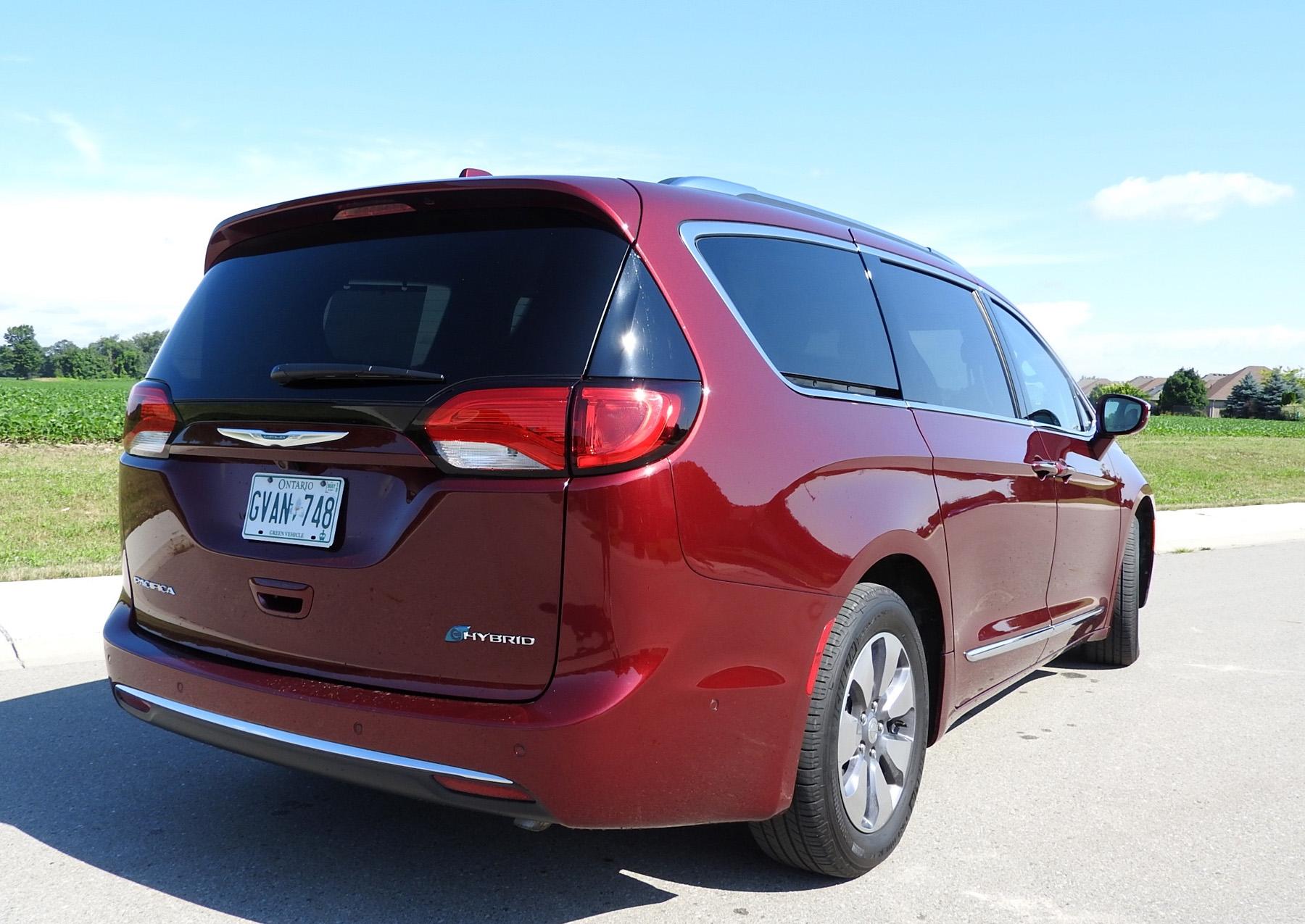 Pacifica Hybrid Electrifies Minivan Segment