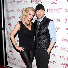 Jenny McCarthy and Donnie Wahlberg are 'excited' to star on reality show-Image1