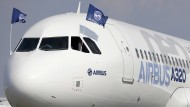 Airbus baut Stellen ab, um zu sparen.