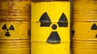 Über die Lagerung von radioaktiven Abfällen wird seit Jahrzehnten heftig gestritten.