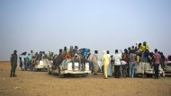 Migranten aus Niger und anderen Ländern machen sich im Juni 2018 von der nigrischen Stadt Agadez auf den Weg nach Algerien.
