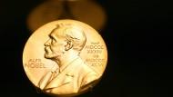 Der Chemie-Nobelpreis wird seit 1901 verliehen.