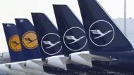 Geparkt: Lufthansa-Flugzeuge auf dem Flughafen in München