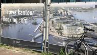 In Arbeit: In der Nähe des Amsterdamer Hauptbahnhofs lässt Booking.com seine neue Zentrale bauen.