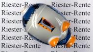 Eine Reform der Riester-Rente ist zwar im Koalitionsvertrag erwähnt, Verbraucherschützer und Versicherer wünschen sich aber eine schnellere Lösung.