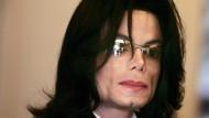 Michael Jackson wurde in der Vergangenheit mehrmals Kindesmissbrauch vorgeworfen. (Archivbild)