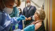 Ein leitender Arzt berichtet aus dem Impfzentrum