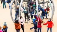 Wer applaudiert der Jugend? Kinder und Teenager in der Pandemie