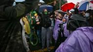 Demonstranten am 3. Mai in Bogotá