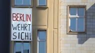 Die Berliner wehren sich gegen Gentrifizierung und Investoren.
